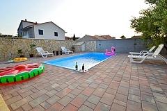 Tina :  villa piscine