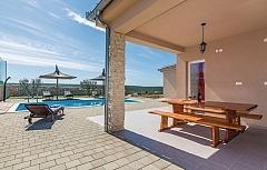 Anastasia : villa piscine