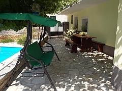 Alen : villa with swimming pool