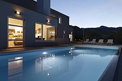 Zupa : villa avec piscine