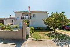 Josip: 4 apartments
