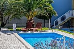 Torus : villa piscine