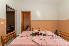 Appartement 4+1 pers. au 1 er.