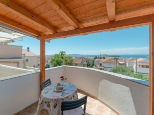 location Mirella : 2 apartments