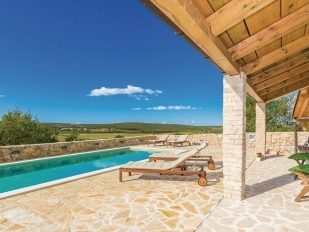 location Gordan : villa with a swimming pool