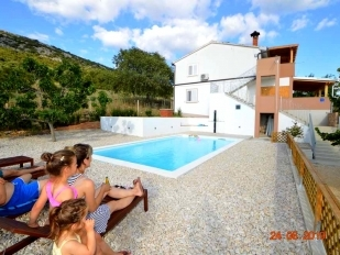 location Marko : 1 apartements with swimming pool