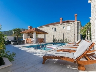 location Villa Rozat avec piscine