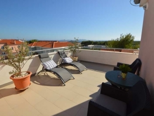 location Baradozel : 1 appartement