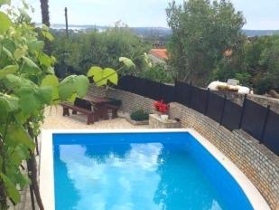 location Alen : avec piscine